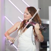 Hollie Laura Violin - Select Music Group